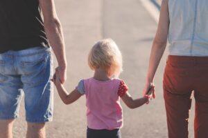 別居・離婚による子どもの影響は?心のケア方法
