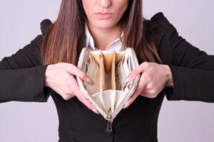 モラハラ夫の経済的DV対処法5つ!モラハラ夫はどうしてお金にケチなの?