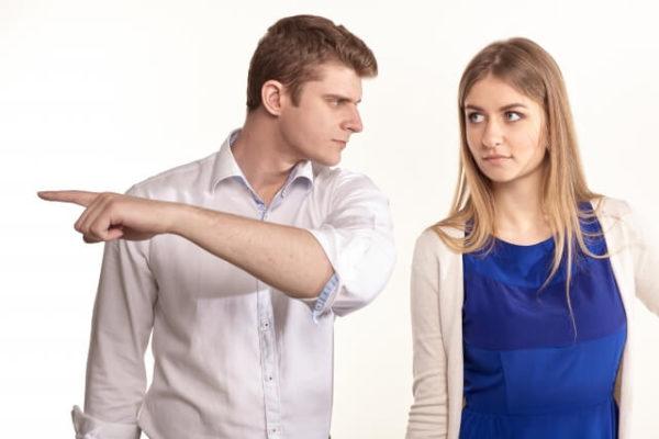 モラハラ夫から「離婚だ!出て行け」と言われたときの対処法