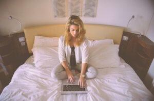 在宅で働きたいシングルマザーおすすめ!リワークスで正社員を目指そう